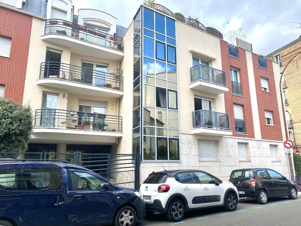 Appartement à louer 2 45.54m2 à Les Lilas vignette-1