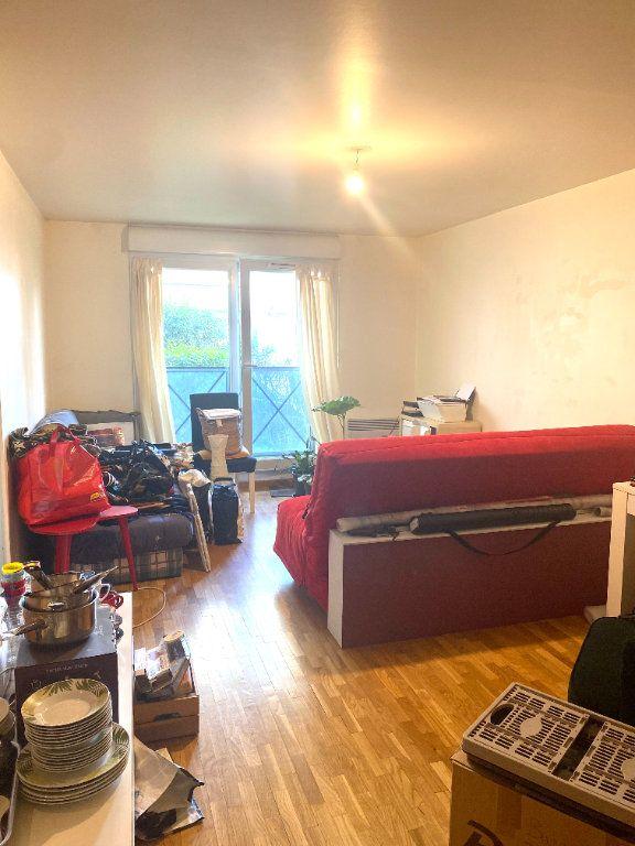 Appartement à louer 2 45.54m2 à Les Lilas vignette-2