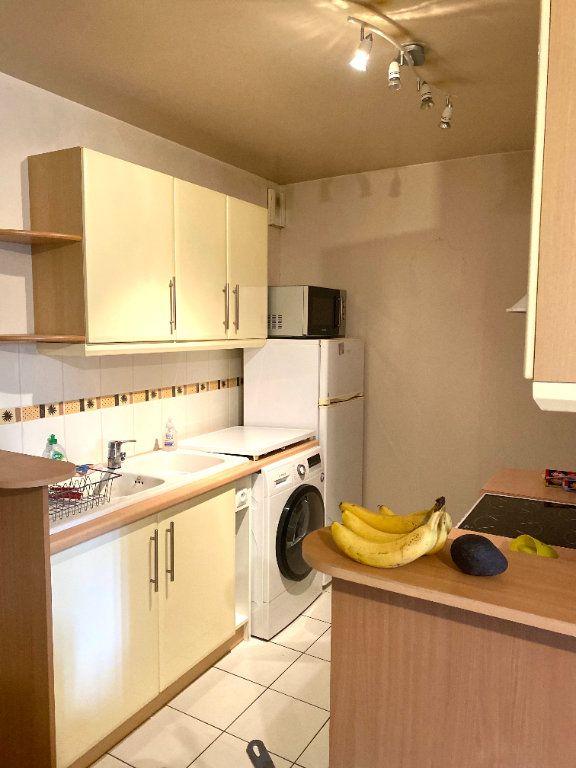 Appartement à louer 2 45.54m2 à Les Lilas vignette-3