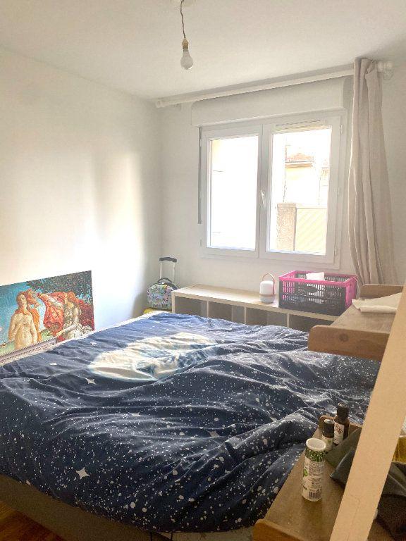 Appartement à louer 2 45.54m2 à Les Lilas vignette-4