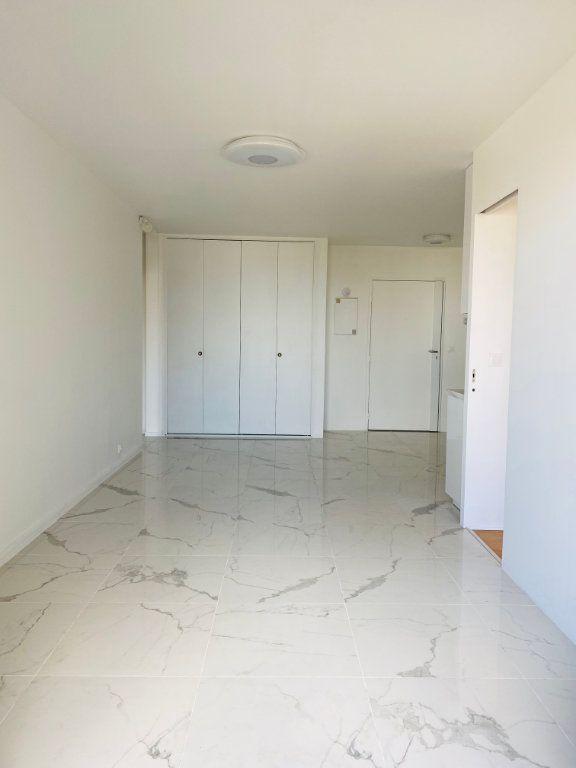 Appartement à louer 3 53.61m2 à Le Pré-Saint-Gervais vignette-2