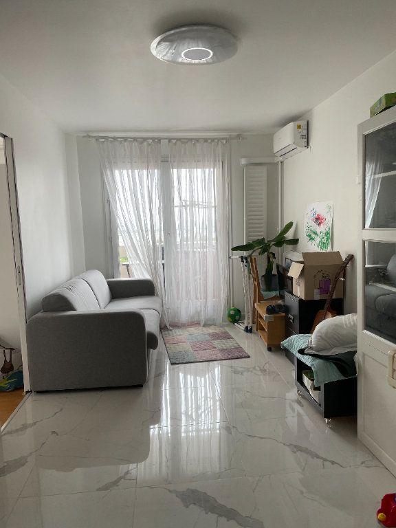 Appartement à louer 3 53.61m2 à Le Pré-Saint-Gervais vignette-3