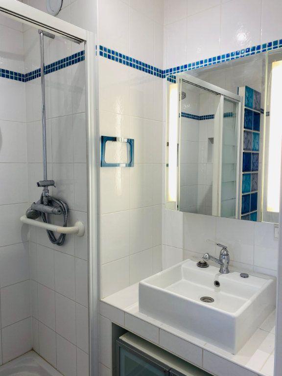 Appartement à louer 3 53.61m2 à Le Pré-Saint-Gervais vignette-5