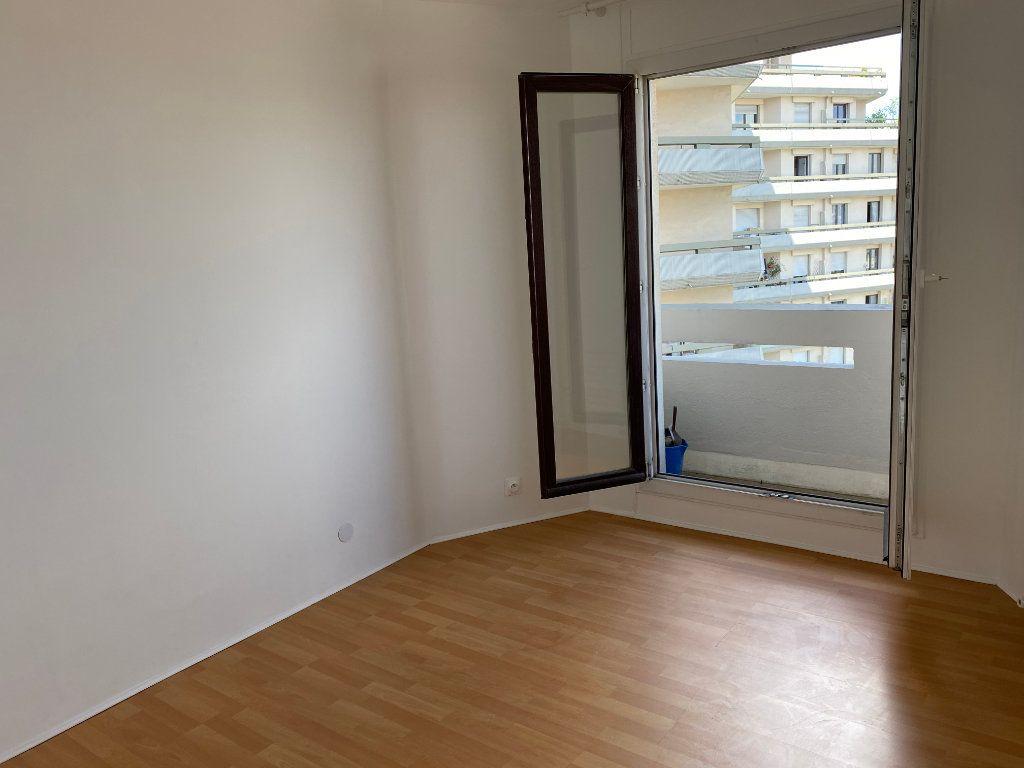 Appartement à louer 3 53.61m2 à Le Pré-Saint-Gervais vignette-6