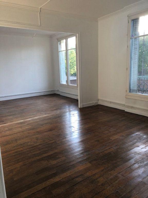 Appartement à vendre 4 73m2 à Pantin vignette-1