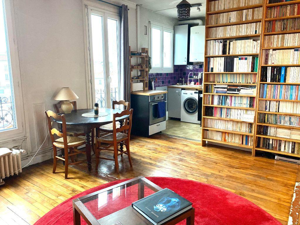 Appartement à louer 2 37.83m2 à Les Lilas vignette-2