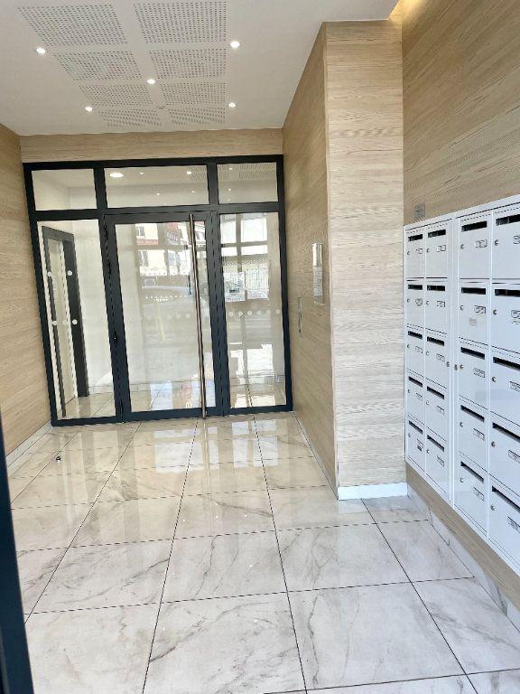 Appartement à vendre 1 26.2m2 à Romainville vignette-3