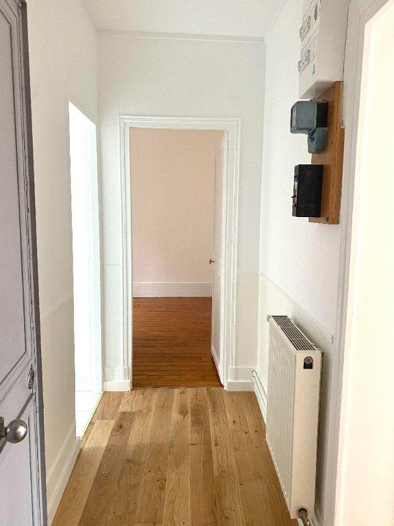 Appartement à louer 2 39.45m2 à Les Lilas vignette-2