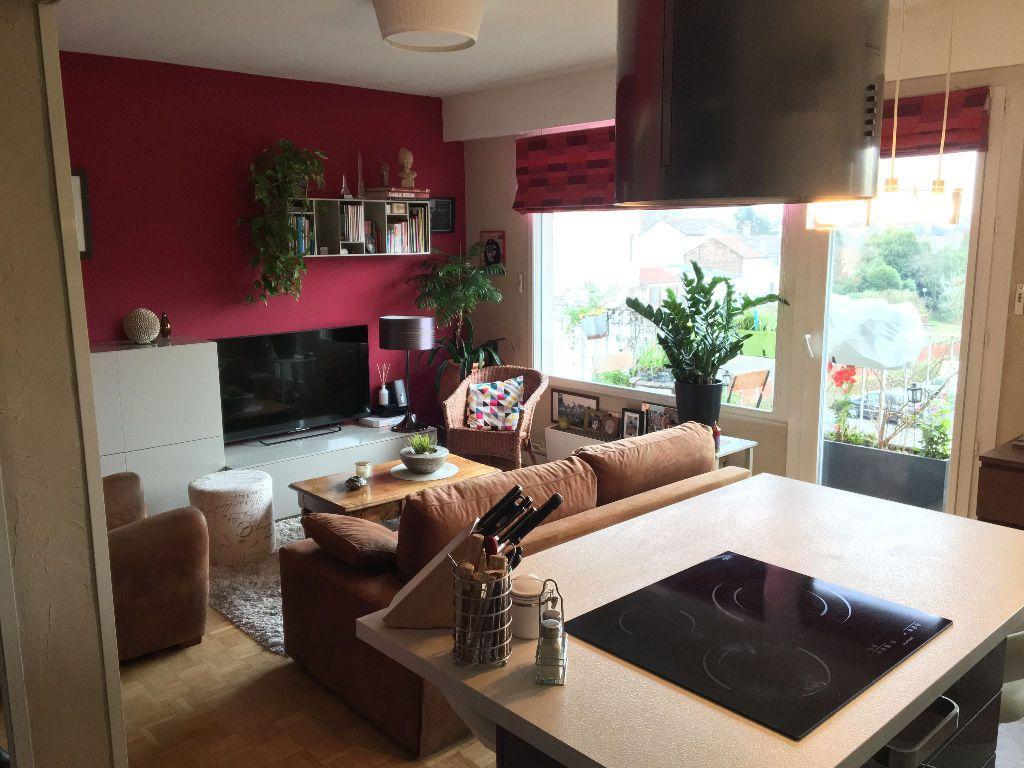 Appartement à louer 2 49.02m2 à Les Lilas vignette-2
