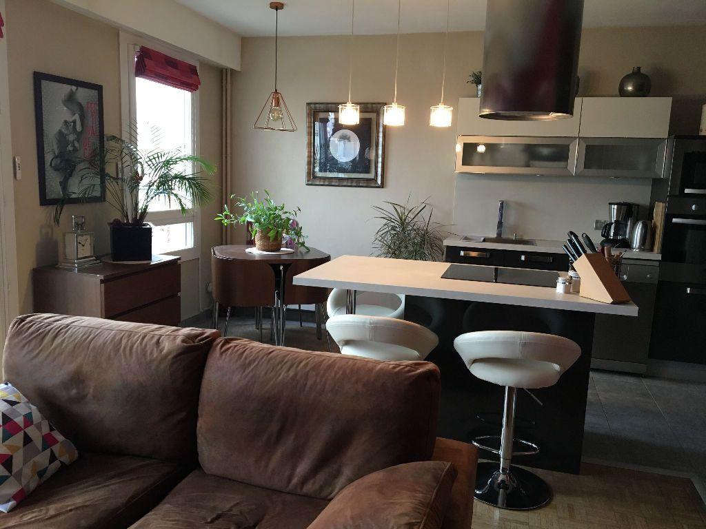 Appartement à louer 2 49.02m2 à Les Lilas vignette-3