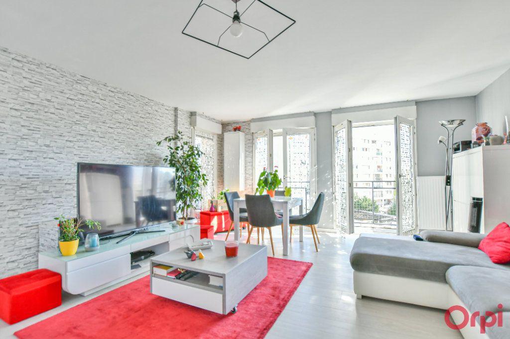 Appartement à vendre 3 77.85m2 à Romainville vignette-3