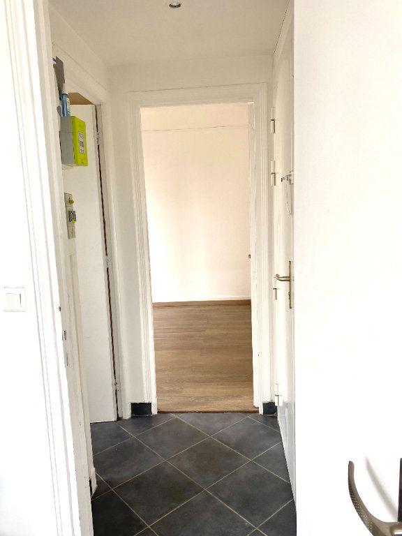 Appartement à louer 2 31.3m2 à Les Lilas vignette-4