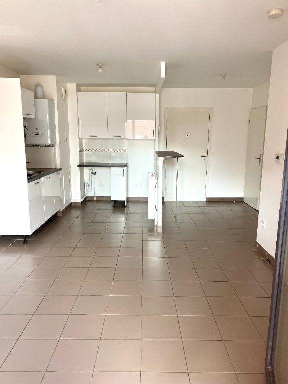 Appartement à louer 2 39.8m2 à Les Lilas vignette-2