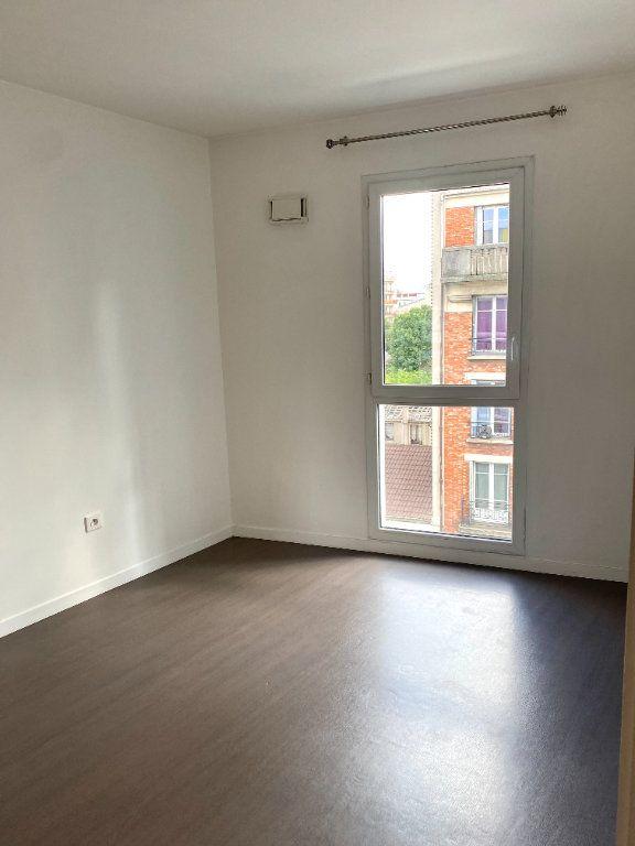 Appartement à louer 2 39.8m2 à Les Lilas vignette-4