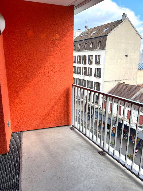 Appartement à louer 2 39.8m2 à Les Lilas vignette-7