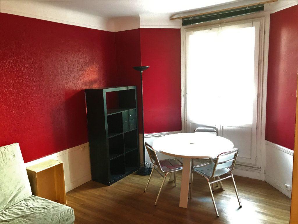 Appartement à louer 1 24m2 à Boulogne-Billancourt vignette-2
