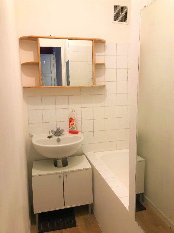 Appartement à louer 1 24m2 à Boulogne-Billancourt vignette-4