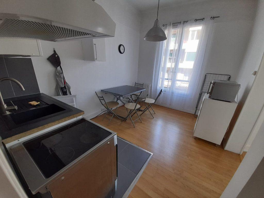 Appartement à louer 1 29.97m2 à Thonon-les-Bains vignette-1