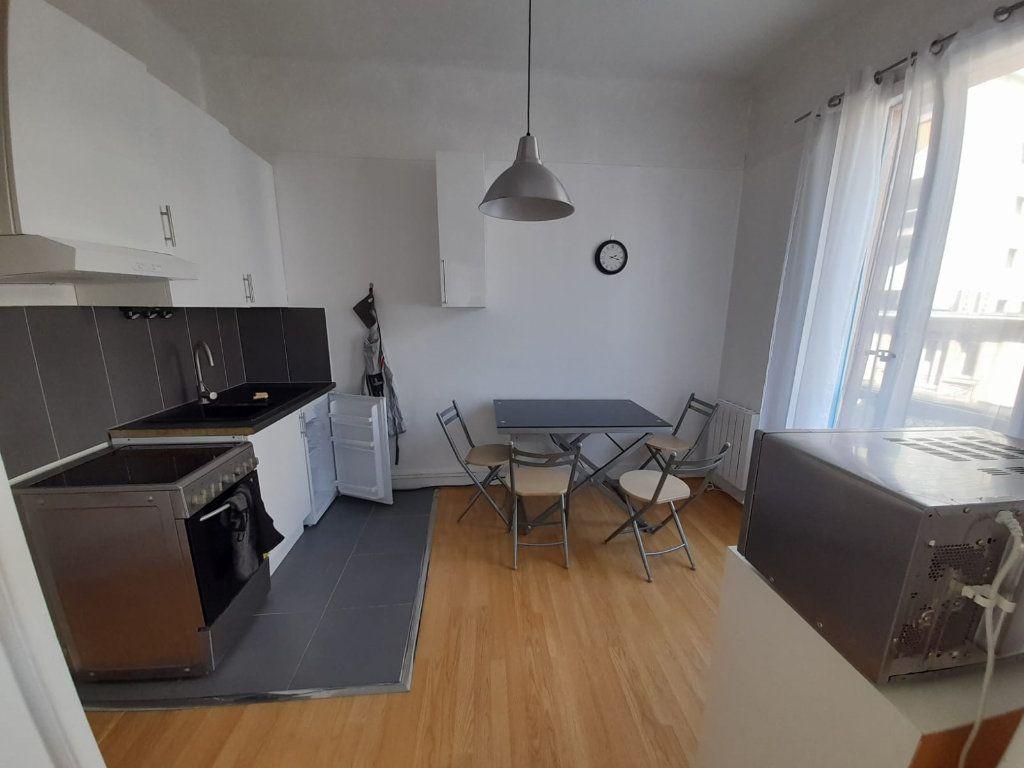 Appartement à louer 1 29.97m2 à Thonon-les-Bains vignette-2