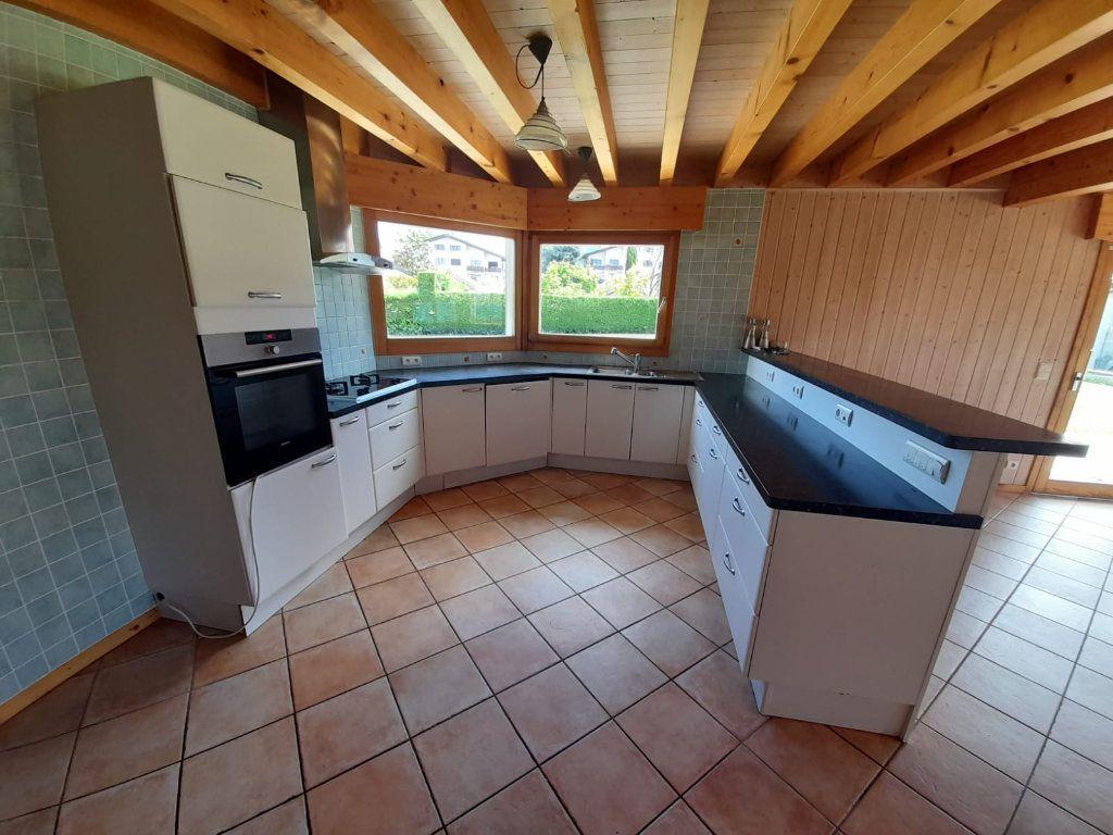 Maison à louer 7 130m2 à Veigy-Foncenex vignette-5