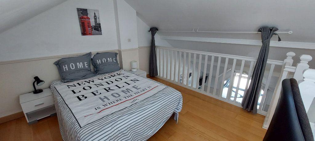 Appartement à louer 3 35.79m2 à Veigy-Foncenex vignette-5