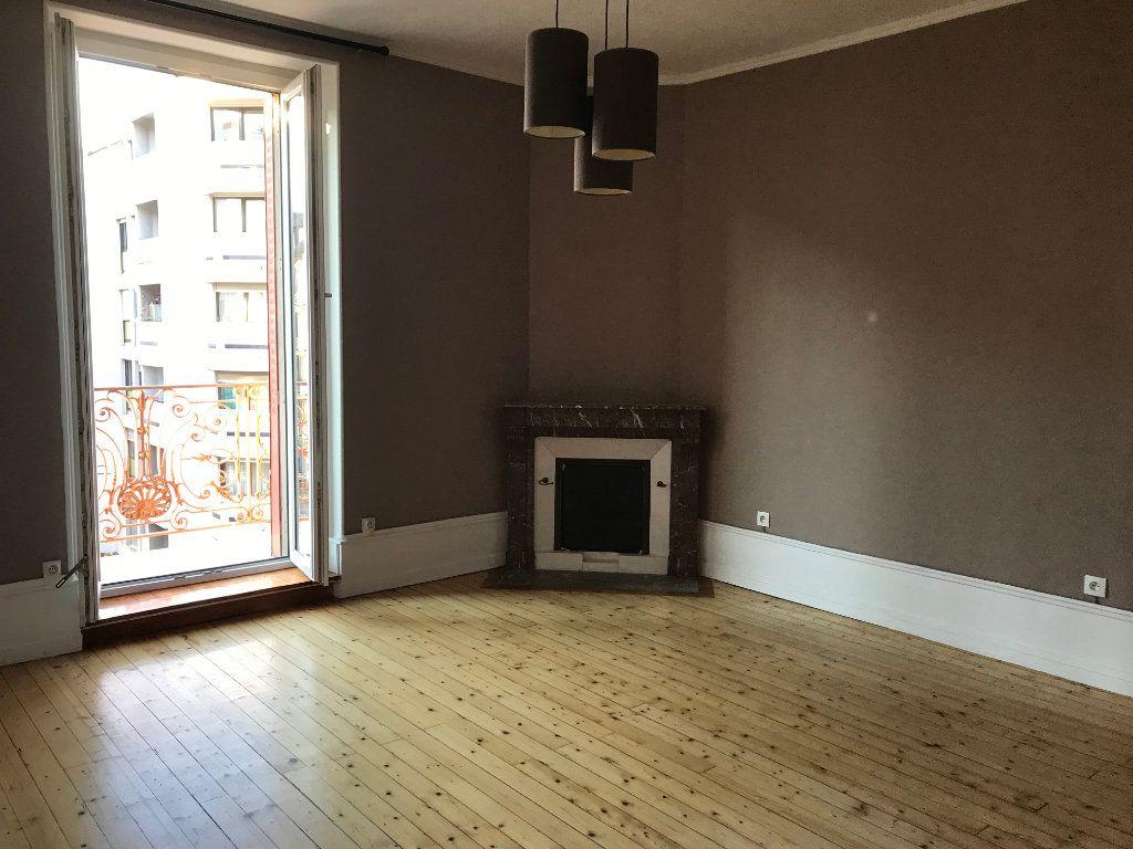 Appartement à louer 2 64.3m2 à Annemasse vignette-2