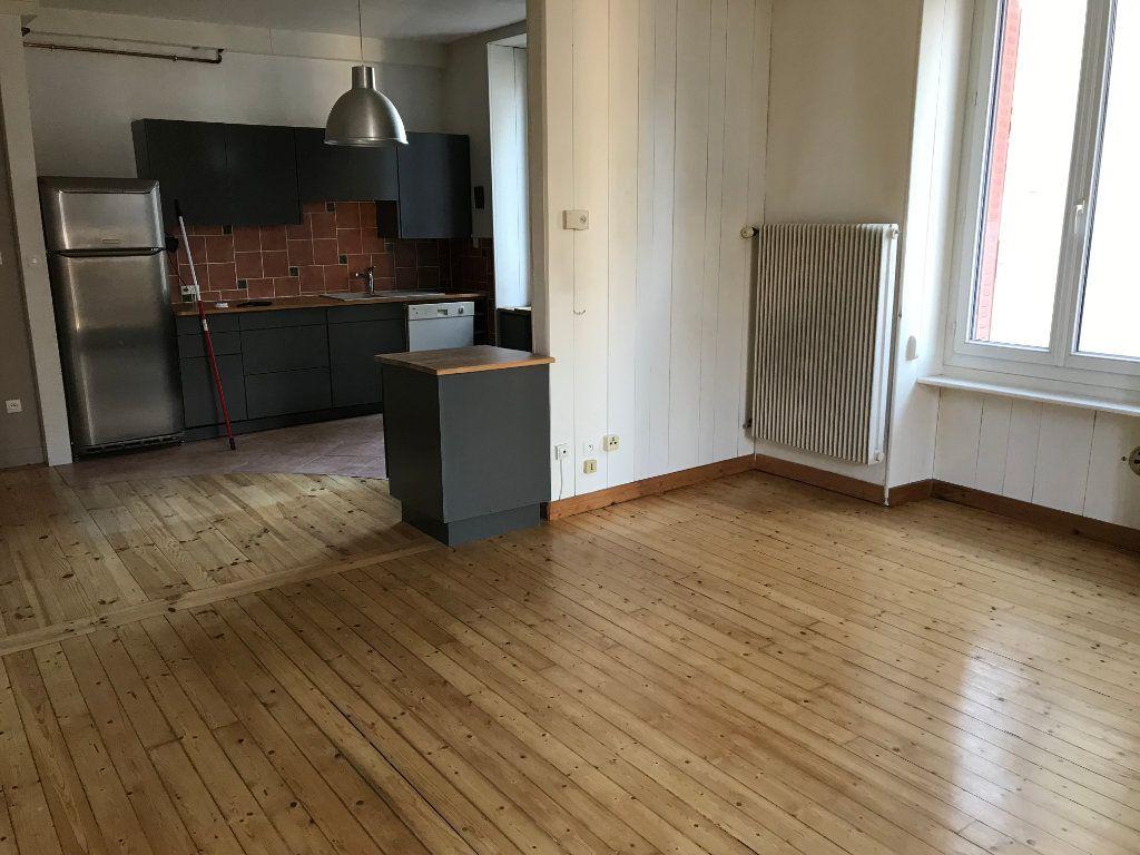 Appartement à louer 2 64.3m2 à Annemasse vignette-3