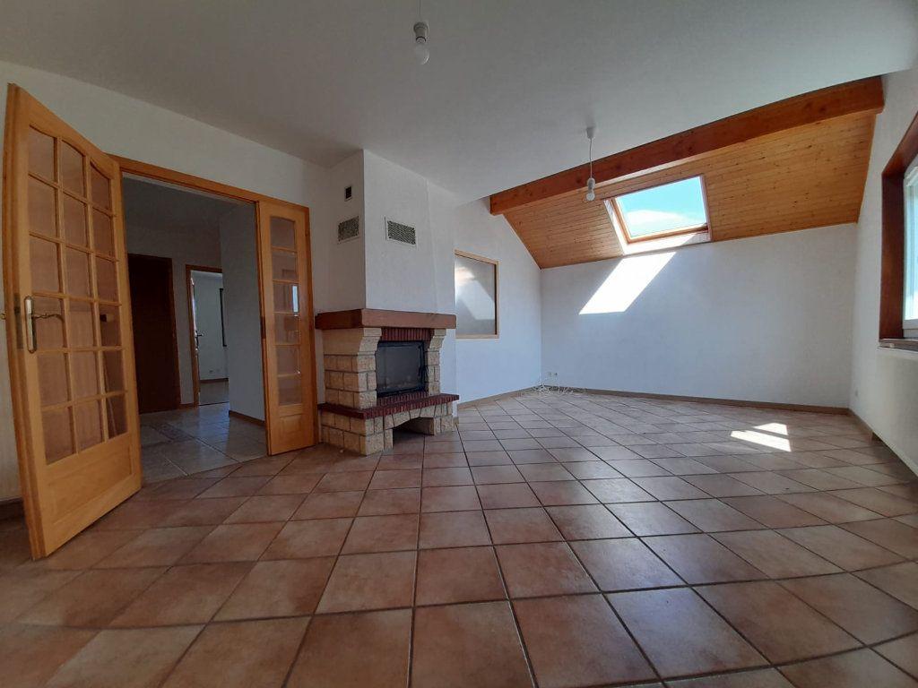Appartement à louer 4 94.29m2 à Loisin vignette-3