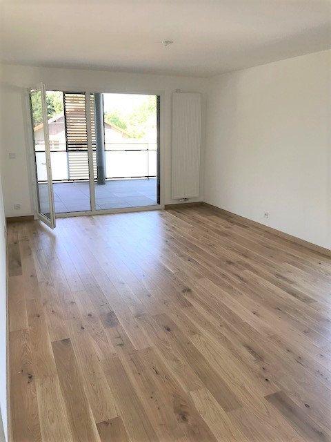 Appartement à louer 3 73.25m2 à Veigy-Foncenex vignette-4