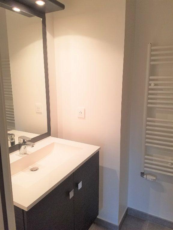 Appartement à louer 4 84m2 à Veigy-Foncenex vignette-6