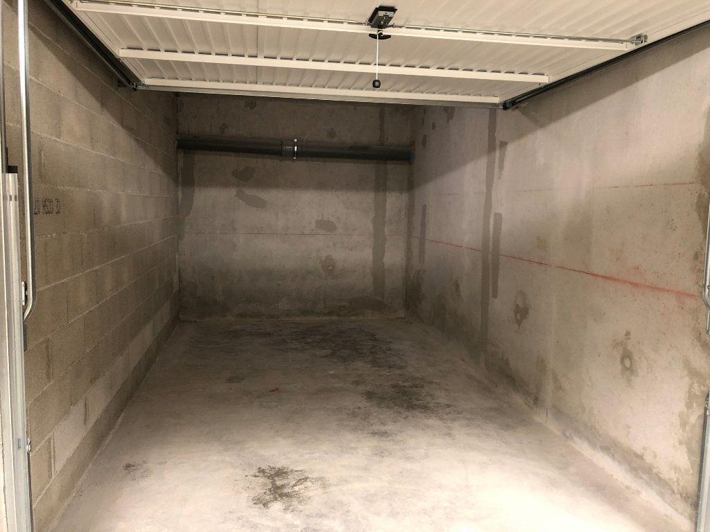 Stationnement à louer 0 13m2 à Veigy-Foncenex vignette-1