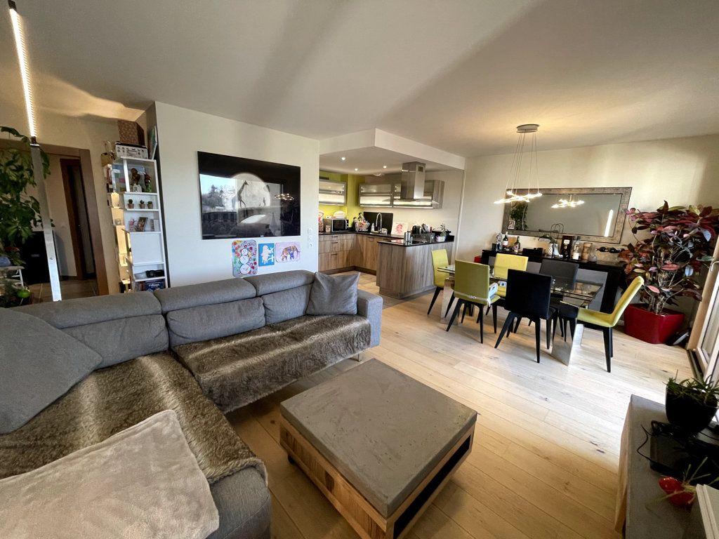 Appartement à vendre 3 76m2 à Veigy-Foncenex vignette-1