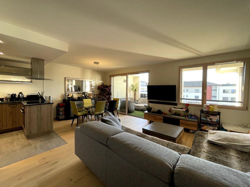 Appartement à vendre 3 76m2 à Veigy-Foncenex vignette-2