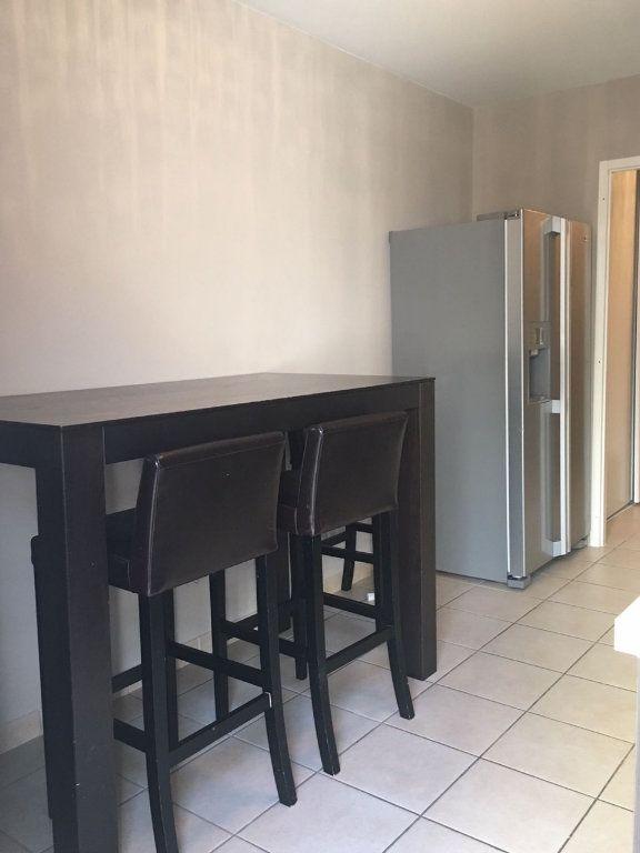 Appartement à vendre 3 73m2 à Veigy-Foncenex vignette-4