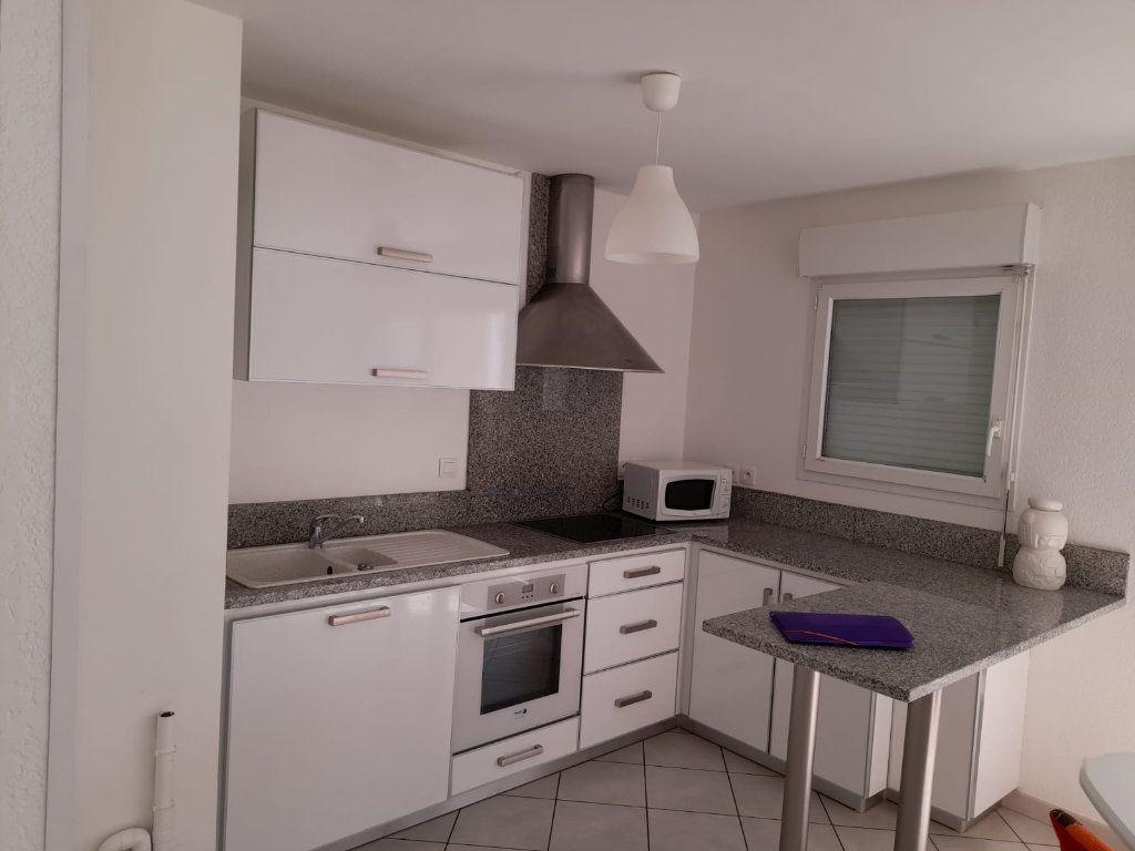 Appartement à louer 2 45.45m2 à Veigy-Foncenex vignette-3