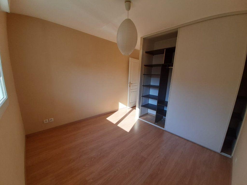 Appartement à louer 2 45.45m2 à Veigy-Foncenex vignette-4