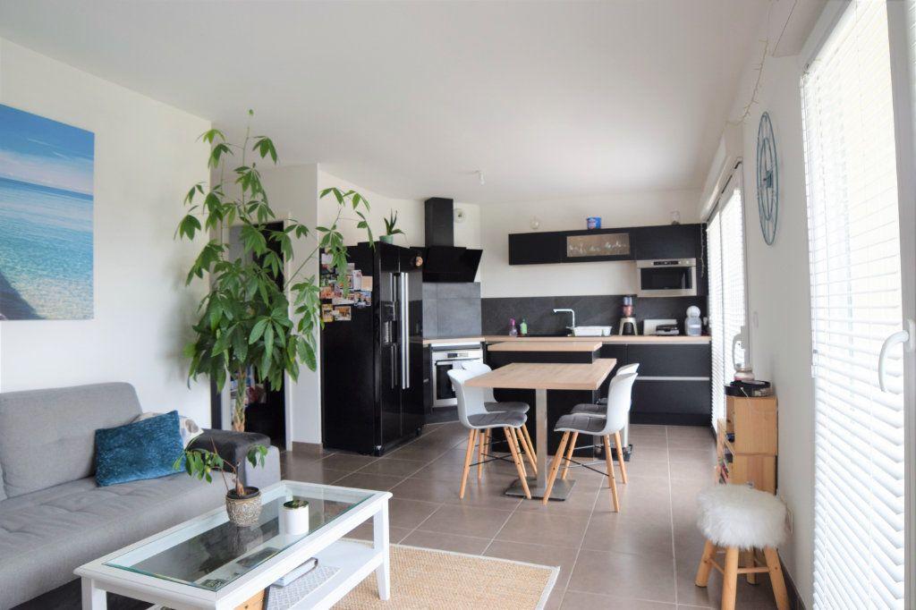 Appartement à vendre 3 60.71m2 à Douvaine vignette-1