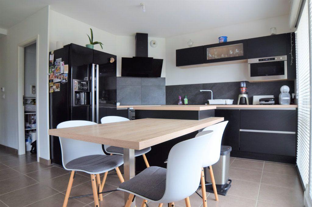 Appartement à vendre 3 60.71m2 à Douvaine vignette-2