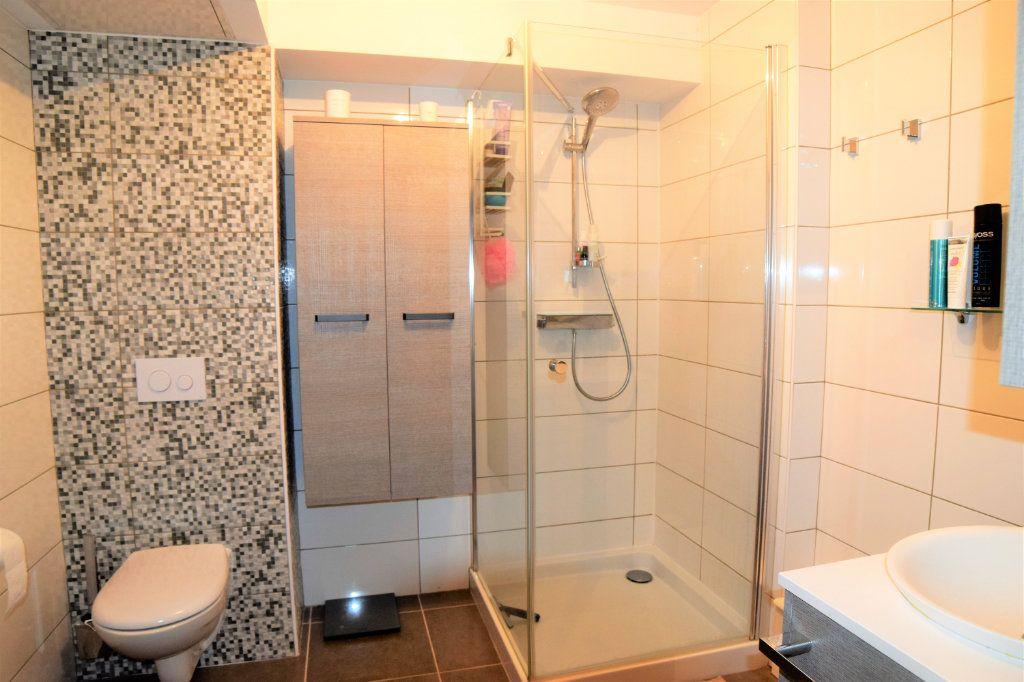 Appartement à vendre 3 60.71m2 à Douvaine vignette-4