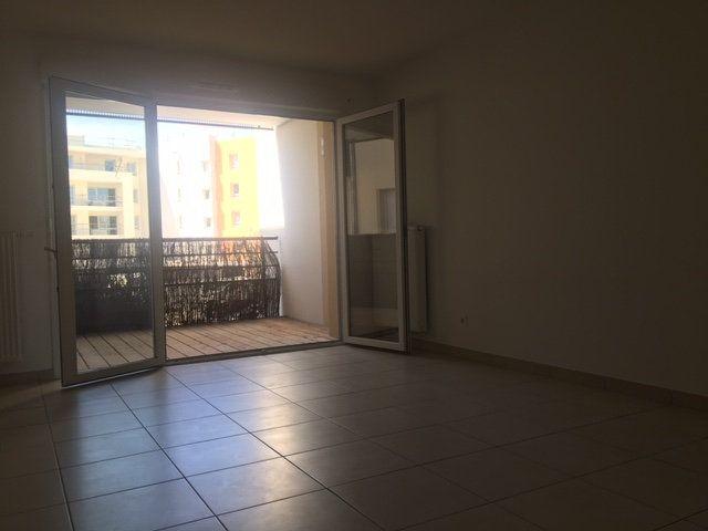 Appartement à louer 2 41.75m2 à Thonon-les-Bains vignette-3
