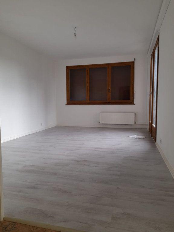 Appartement à louer 2 52m2 à Veigy-Foncenex vignette-2