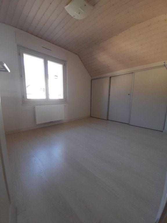 Maison à louer 6 143.51m2 à Saint-Cergues vignette-5
