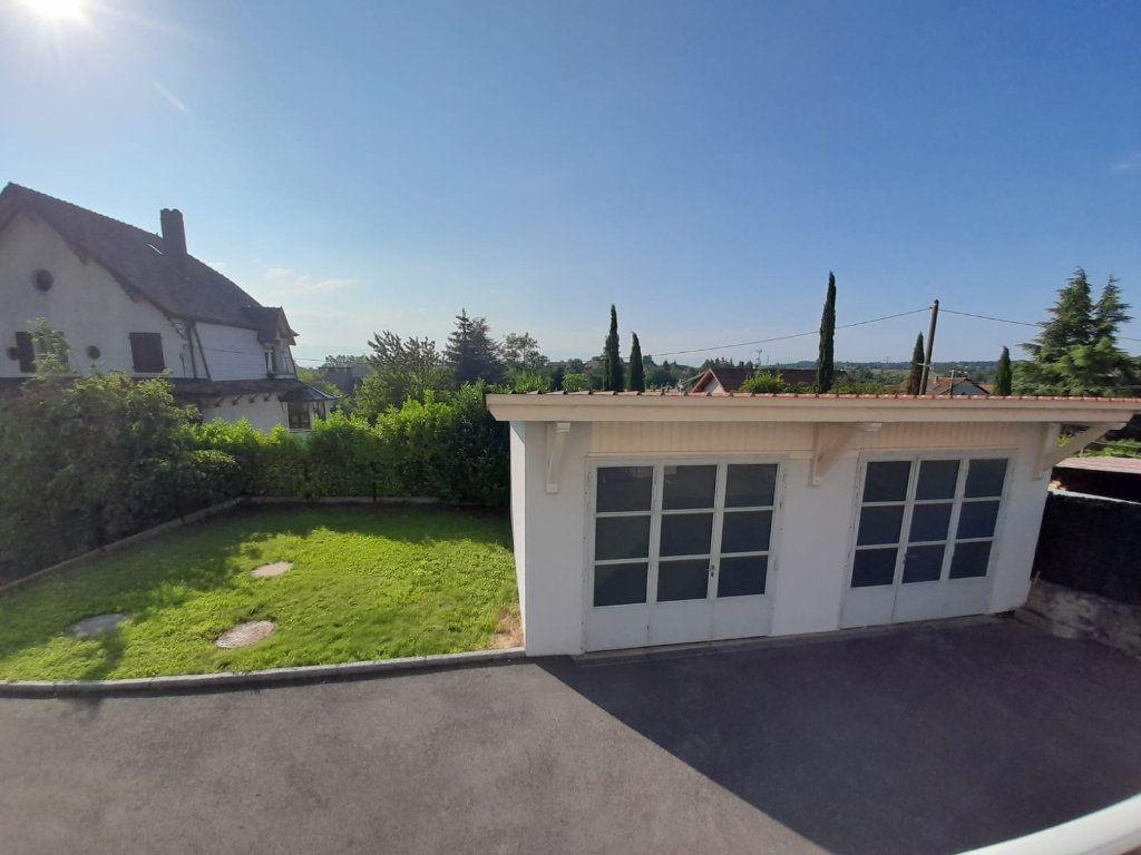 Maison à louer 6 143.51m2 à Saint-Cergues vignette-10