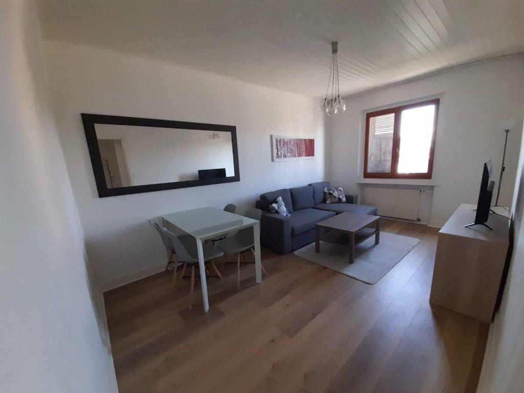 Appartement à louer 2 41.02m2 à Ambilly vignette-1