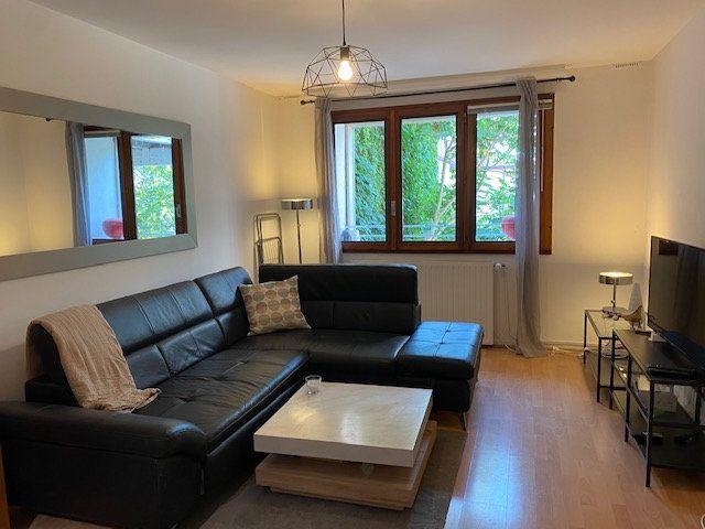 Appartement à louer 3 61.9m2 à Veigy-Foncenex vignette-3