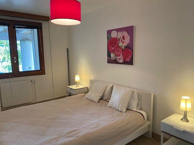 Appartement à louer 3 61.9m2 à Veigy-Foncenex vignette-4