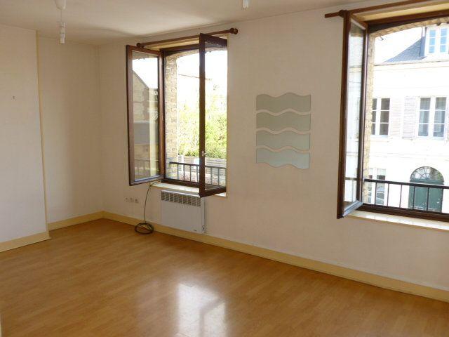 Appartement à louer 3 49.26m2 à Pont-l'Évêque vignette-2