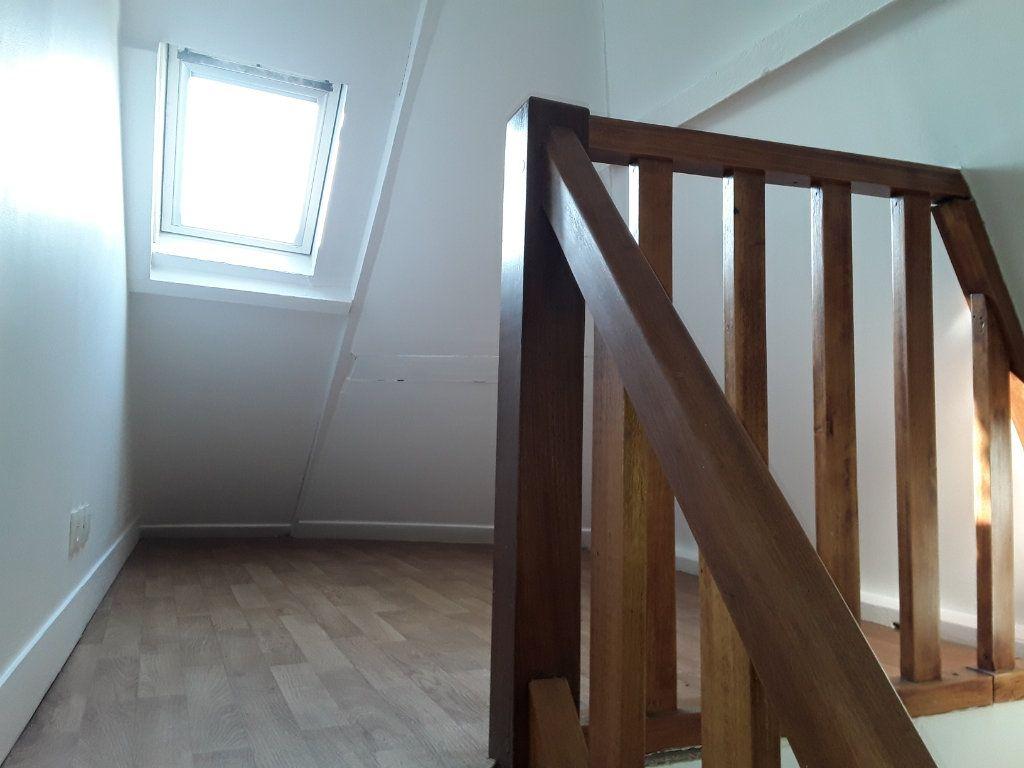 Appartement à louer 1 14.15m2 à Pont-l'Évêque vignette-3