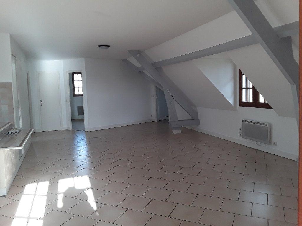 Appartement à louer 4 92.81m2 à Surville vignette-1