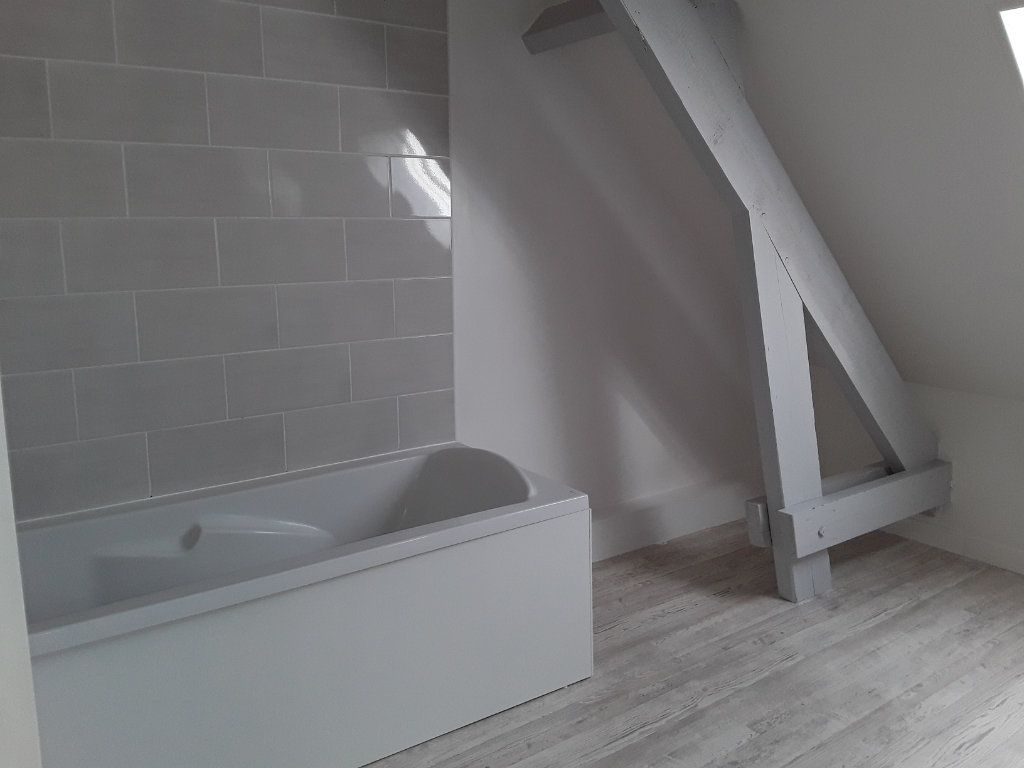 Appartement à louer 4 92.81m2 à Surville vignette-5